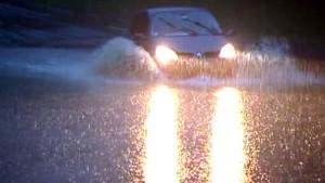 eau-voiture-inondation-inondations-intemperies-pluie-orage-2312517_1713