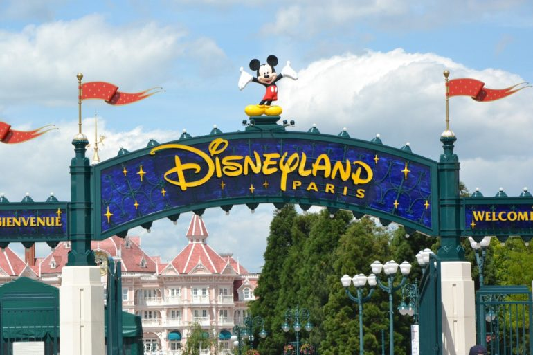 disneyland-paris-2272907_1920